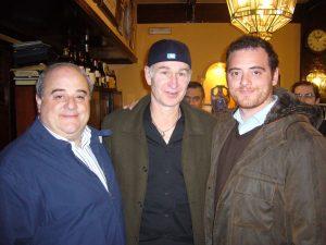 John Mcenroe junto Luis y Diego Oruezábal